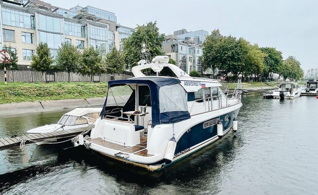 аренда яхты aquador 32 c